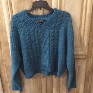 Beautiful Dark Green Color V-Neck Sweater (Large)